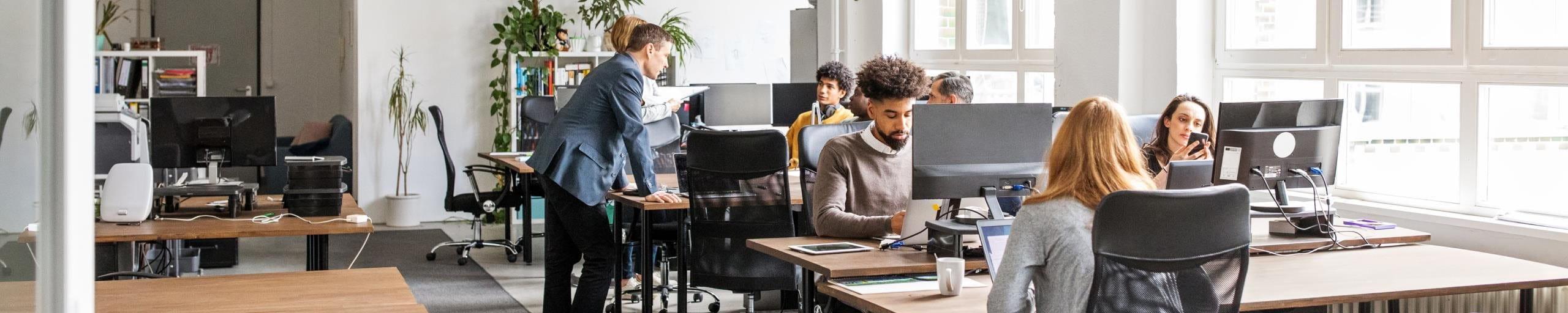 Lavorare in tempi di coronavirus: pochi dipendenti in ufficio