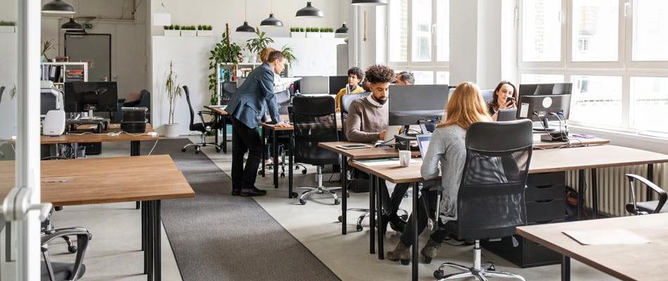 Travailler à la crise du coronavirus : peu d'employés au bureau