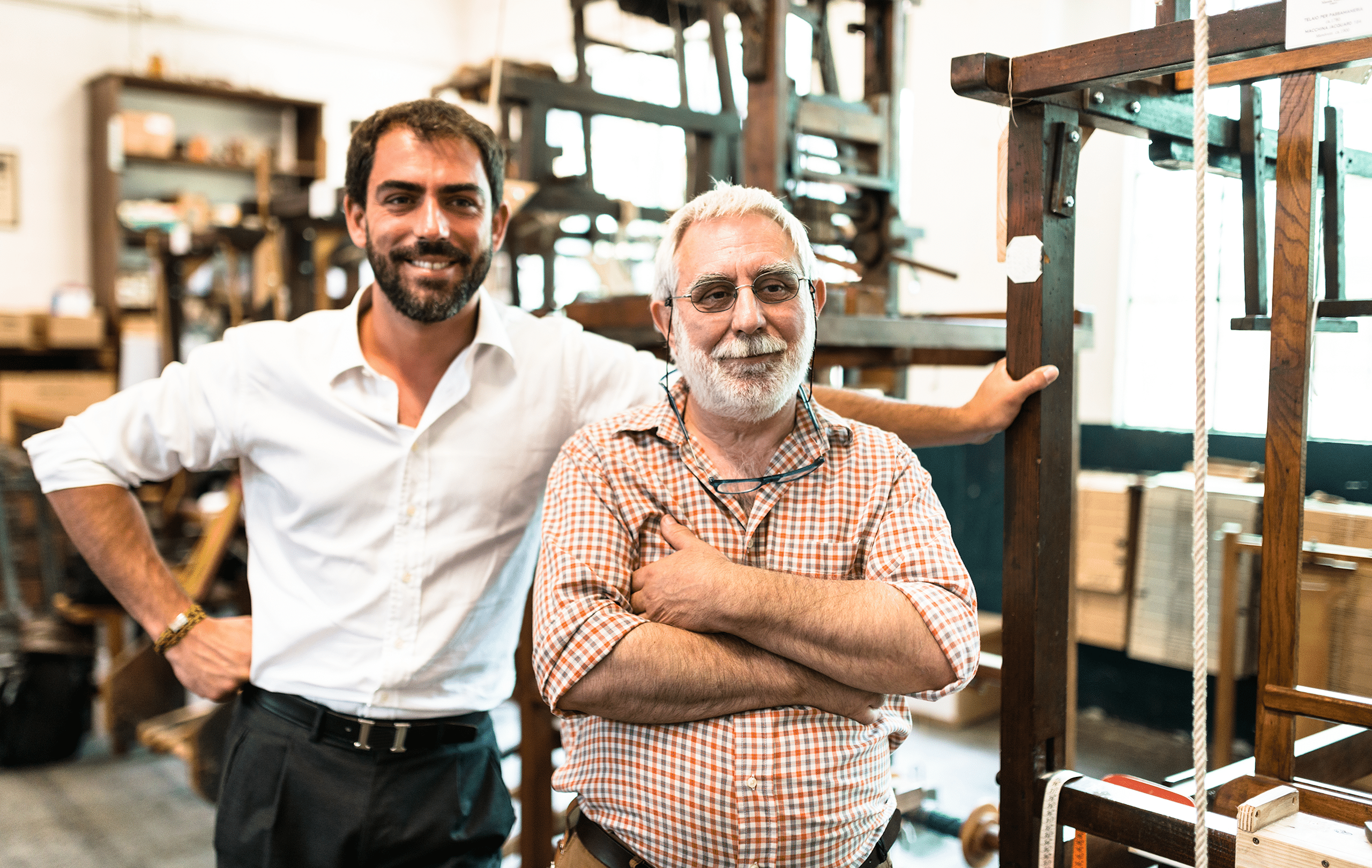Ritratto padre e figlio in azienda