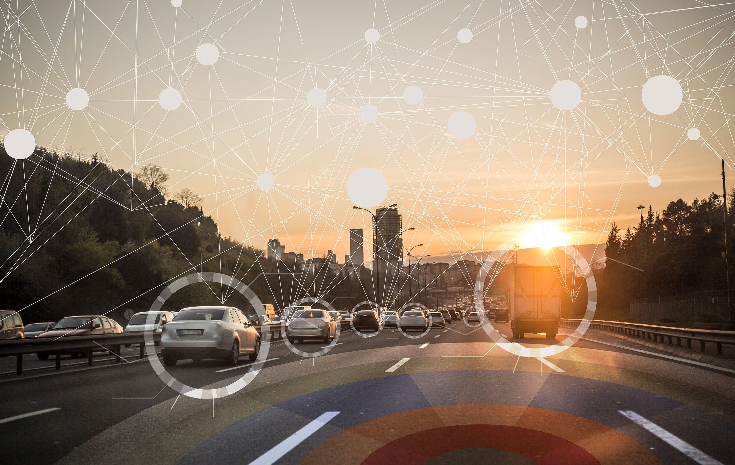Voiture digitale marquée sur une route