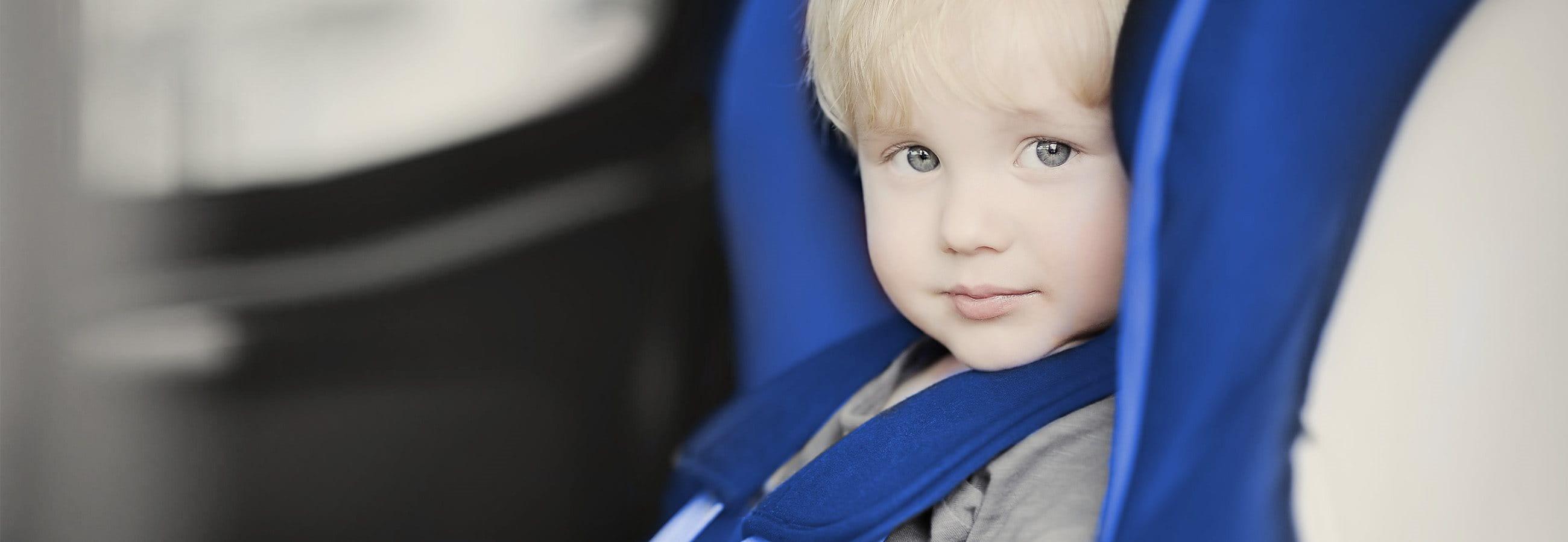 Enfant dans la voiture